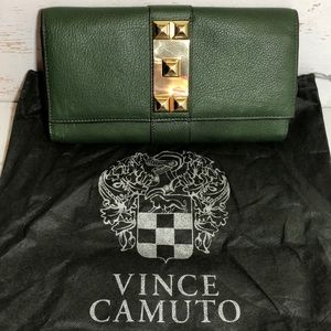 Vince Camuto Louise Leather Clutch Rifle Green